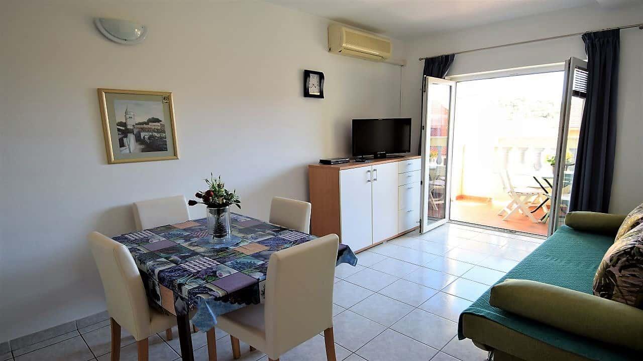 Apartment in Pula for 4 people – Villa ZAGORA – Croatia