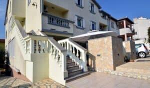 Wohnungen / Villa ZAGORA